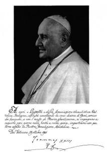 Foto inviata ai lupetti dell'ASCI con la benedizione di Papa Giovanni XIII