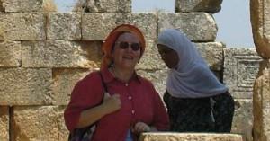 CHI È? Oggi è Professore di archeologia cristiana e medievale presso l'Università di Roma Sapienza ed è madre di famiglia. Entrata a 9 anni, nel 1971, nel Gruppo Frosinone I, è sempre stata impegnata in Branca Guide, prima come Capo Riparto e dopo alcuni anni come Commissaria Nazionale. È stata Vicepresidente dell'Associazione. Dal 1992 ha lasciato il servizio associativo.